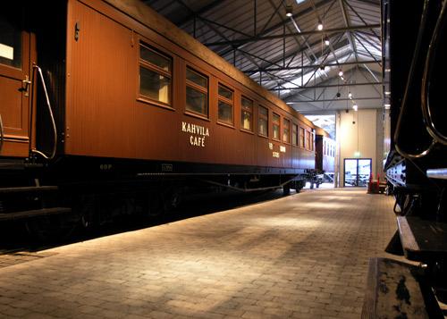 Kuva Rautatiemuseon näyttelystä löytyvästä junavaunusta